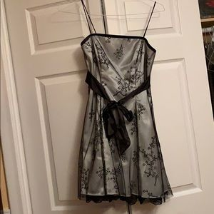 Beaded Lace Dress (size 7/8 junior)